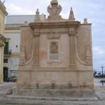 facciata Nord-fontana-greco-roma