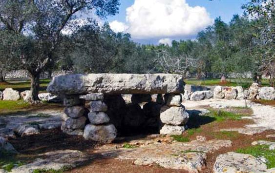 Dolmen e Menhir nel Salento - li Scusi