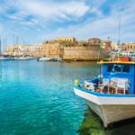 Il Castello Angioino di Gallipoli , la perla del Salento